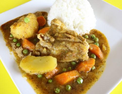 platos tipicos costa del peru estofado de pollo