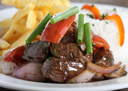 platos tipicos costa del peru lomo saltado