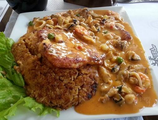 platos tipicos del peru picante de mariscos