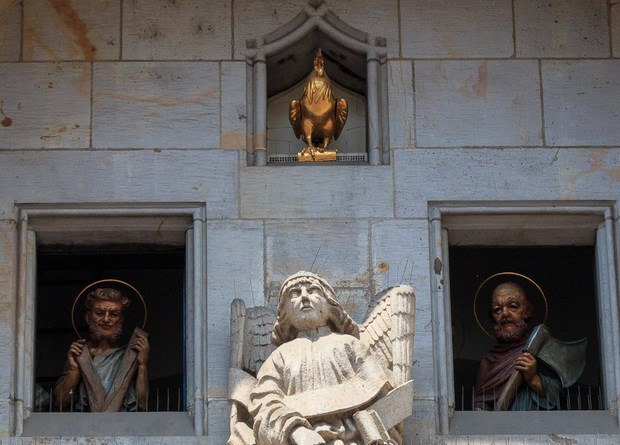 desfile de los apóstoles del reloj astronómico