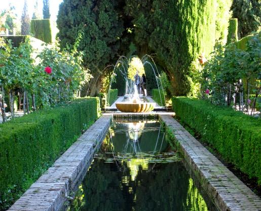jardines-bajos-el-generalife